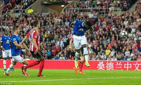 Lukaku ghi hat-trick, Everton thang doi cua David Moyes - Anh 7