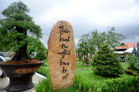 Toan canh nha tho To cua Hoai Linh o Sai Gon - Anh 15