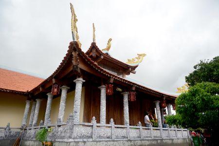 Toan canh nha tho To cua Hoai Linh o Sai Gon - Anh 6