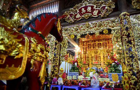 Toan canh nha tho To cua Hoai Linh o Sai Gon - Anh 8