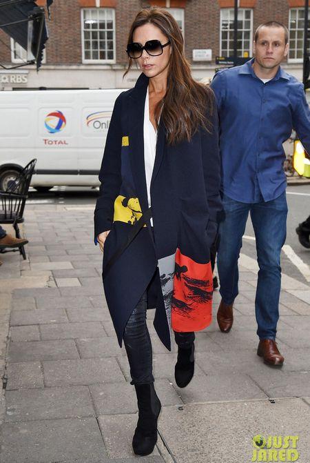 Victoria Beckham gay an tuong voi thoi trang dep bet - Anh 11