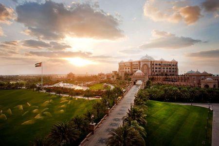 Nhung dieu khien Abu Dhabi tuyet dieu hon Dubai - Anh 20