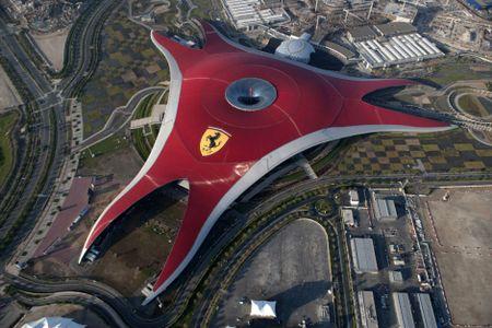 Nhung dieu khien Abu Dhabi tuyet dieu hon Dubai - Anh 8
