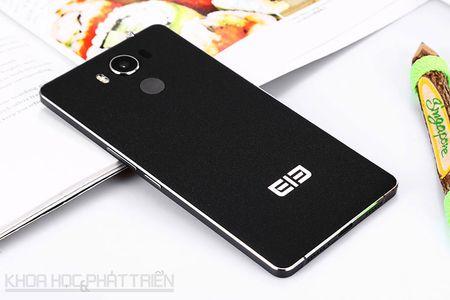Smartphone vien man hinh sieu mong, RAM 4 GB, gia gan 5 trieu - Anh 22