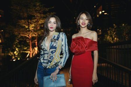 Ho Ngoc Ha mac sexy den mung Noo Phuoc Thinh - Anh 1