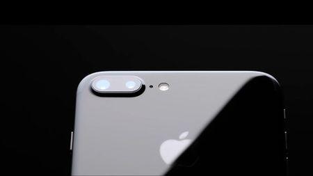 iPhone 7 Plus mau den dep me hoac duoc tao ra nhu the nao? - Anh 1