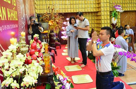 Phuong Thanh vao benh vien mung sinh nhat Minh Thuan - Anh 4