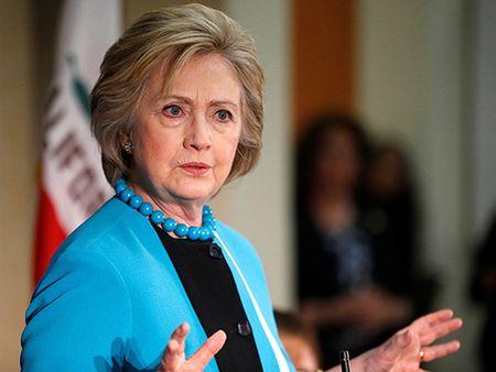 Bau cu My 2016: Ba Hillary Clinton tuyen bo tro lai 'duong dua' trong vai ngay toi - Anh 1