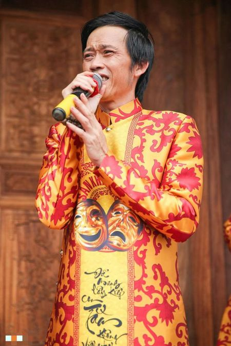 Hinh anh bo me Hoai Linh trong ngoi nha tho To tri gia 100 ti dong - Anh 1