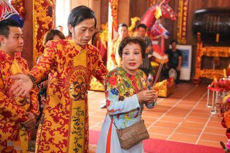 Hinh anh bo me Hoai Linh trong ngoi nha tho To tri gia 100 ti dong - Anh 6