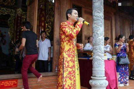 Hinh anh bo me Hoai Linh trong ngoi nha tho To tri gia 100 ti dong - Anh 8