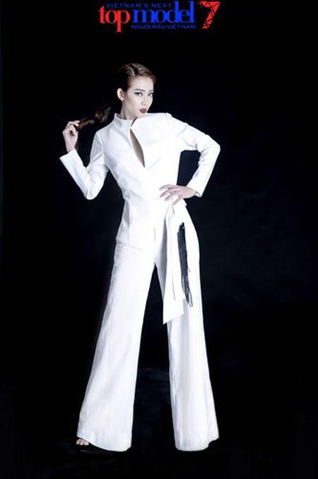 Dung chan tai Top Model, Kim Nha tung anh day phong cach va ca tinh - Anh 1
