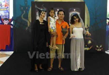 Gioi tre Ha Noi 'xuong duong' voi tao hinh rung ron dip Halloween - Anh 12