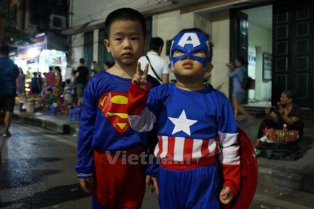 Gioi tre Ha Noi 'xuong duong' voi tao hinh rung ron dip Halloween - Anh 8