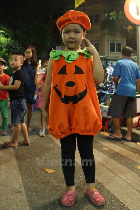 Gioi tre Ha Noi 'xuong duong' voi tao hinh rung ron dip Halloween - Anh 9