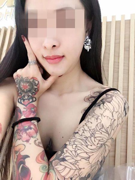 Co gai thach thuc dan mang: Du 50.000 like dot xe SH - Anh 3