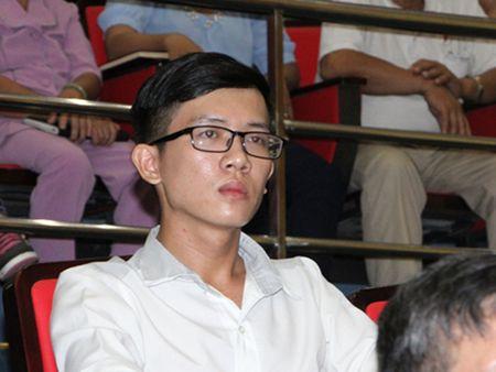 Thay giao 'cau cuu' Bi thu Thang duoc cong nhan vien chuc - Anh 1