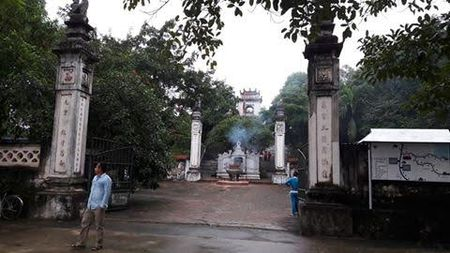 Trom dot nhap den, pha 7 hom cong duc cuom tien - Anh 1