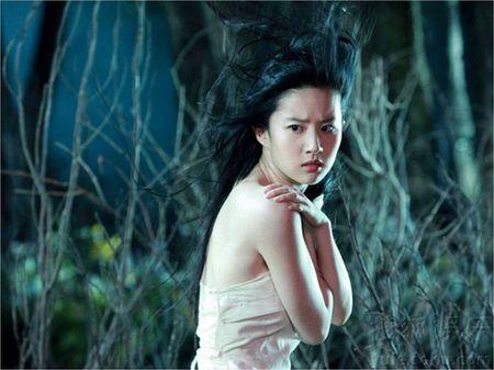 Soc voi nhung canh phim 'hu nhat' cua Luu Diec Phi - Anh 13