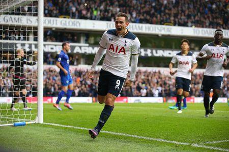 Thuyen truong Tottenham muon cac hoc tro tan nhan hon - Anh 1