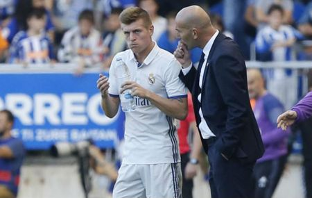 Mat Kroos luc nay, Real se lam nguy - Anh 1