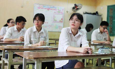 Binh Duong to chuc bien soan ngan hang de Ngu van lop 12 - Anh 1