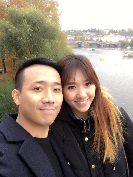 Tran Thanh va Hari Won tinh tu hanh phuc o chau Au - Anh 3