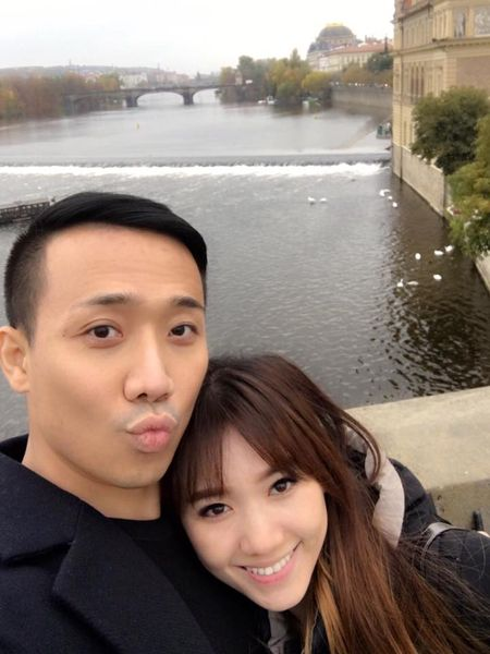 Tran Thanh va Hari Won tinh tu hanh phuc o chau Au - Anh 6