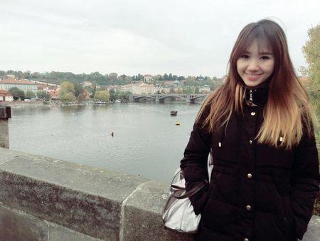 Tran Thanh va Hari Won tinh tu hanh phuc o chau Au - Anh 8