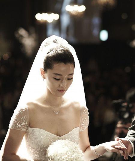 """11 dieu co the ban chua biet ve """"co nang ngo ngao"""" Jun Ji Hyun - Anh 9"""