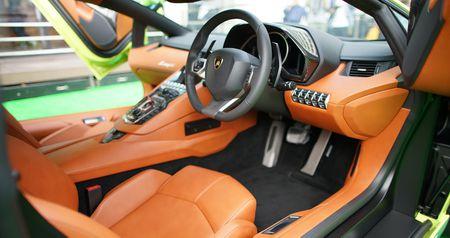 Lamborghini Aventador Miura Homage den Hong Kong, gia 1,03 trieu USD - Anh 3