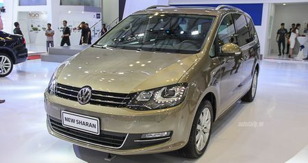 Volkswagen Sharan chot gia 1,9 ty dong, canh tranh voi Honda Odyssey - Anh 1