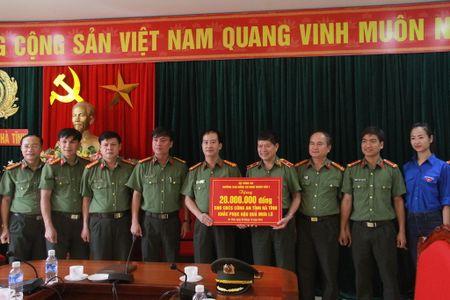 Truong Cao dang ANND I ve Ha Tinh chia se kho khan voi dong bao vung lu - Anh 1
