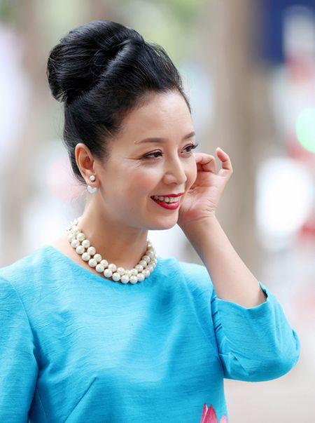 Chieu Xuan khoe nhan sac man ma - Anh 6