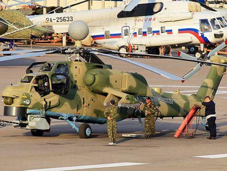 Nga trang bi them 'giap laze' va ten lua cho 'Tho san dem' Mi-28NM - Anh 1