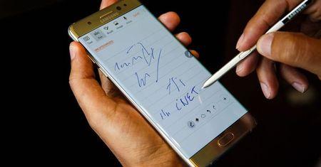 Galaxy Note 7 tai Viet Nam bat dau cap nhat de buoc nguoi dung tra may - Anh 1