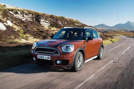 Ra mat crossover MINI Cooper Countryman 2017 the he moi - Anh 18
