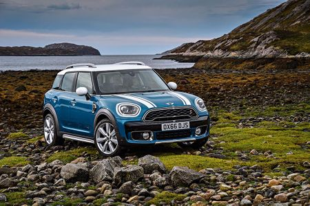 Ra mat crossover MINI Cooper Countryman 2017 the he moi - Anh 1