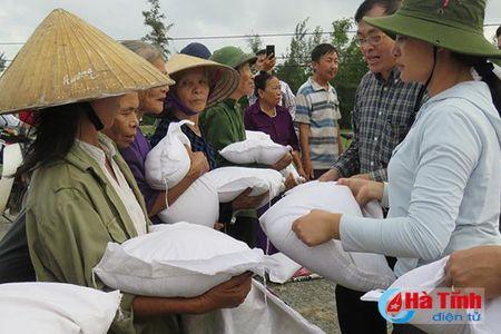 Bo Xay dung ho tro nguoi dan vung lu Ha Tinh 500 trieu dong - Anh 3