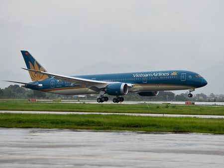 Vietnam Airlines su dung Airbus A350 khai thac duong bay TP.HCM-Osaka - Anh 1
