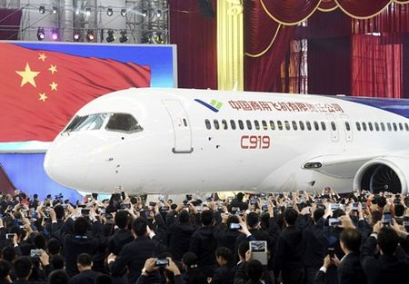 May bay Trung Quoc tham vong thach thuc Boeing, Airbus - Anh 1