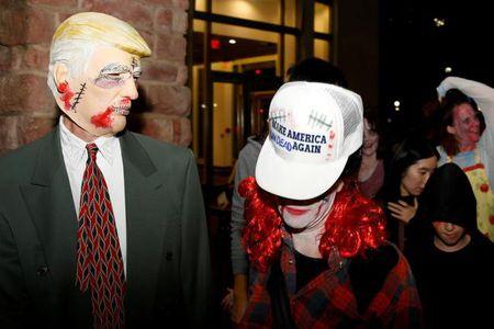 Ngai Trump phu song Halloween - Anh 2