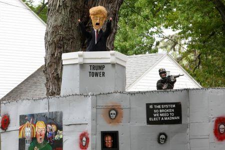 Ngai Trump phu song Halloween - Anh 7