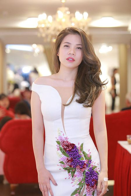 Vu Thu Phuong: 'Xa showbiz, toi thay bang long voi cuoc song hien tai' - Anh 7