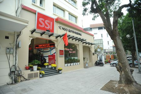 SSI: 9 thang dat 949 ty dong loi nhuan truoc thue - Anh 1