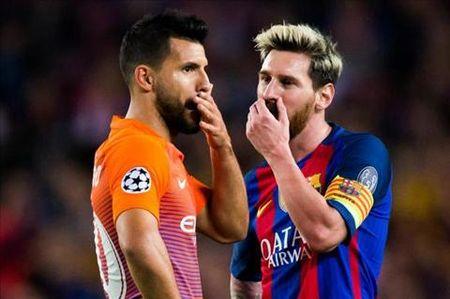 Truoc dai chien, Messi kich dong noi bo Man City - Anh 1