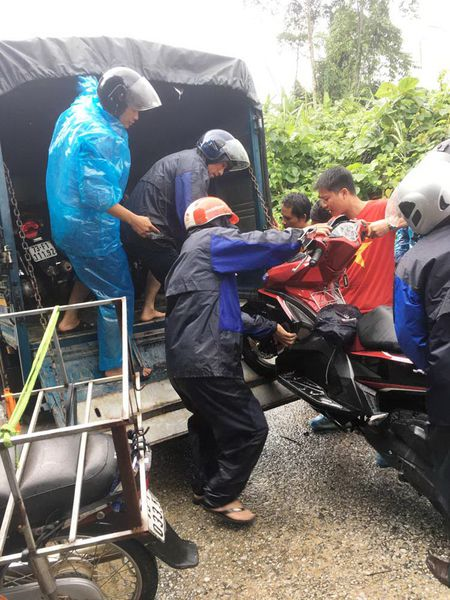 Quang Binh vua het lu lai bi ngap lut, nhieu noi bi chia cat - Anh 2