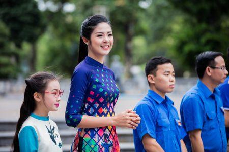 Hoa hau, a hau Viet Nam dien ao dai nhay flashmob - Anh 5