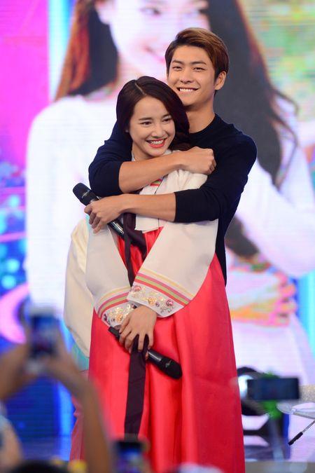 Kang Tae Oh bi ep cau hon Nha Phuong - Anh 14