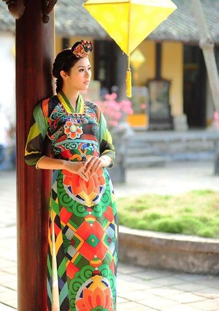 Nhung goc khuat sau anh hao quang cua Hoa hau Ngoc Han - Anh 3
